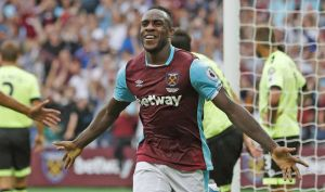 michail-antonio-celebrates